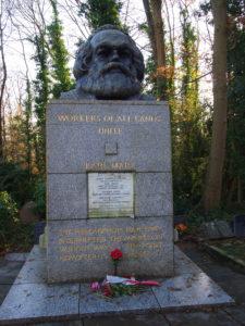Karl-Marx-Statue im Highgate Cemetery. Foto: Jan Graber, 2016