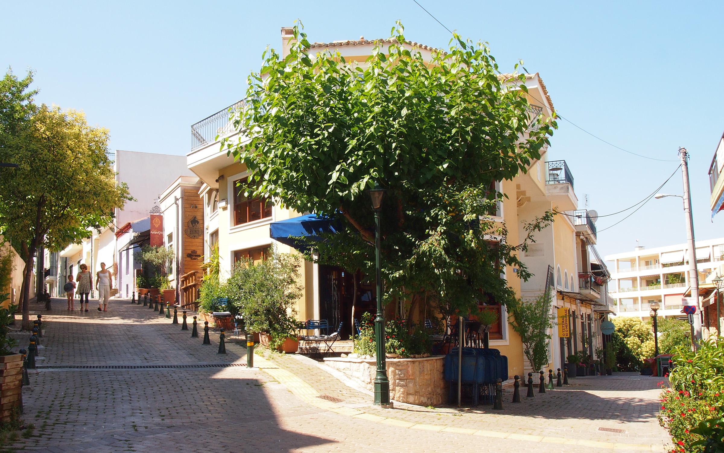 Café ausserhalb der Hektik in Kifissia, Athen. Foto: jag, 2017.