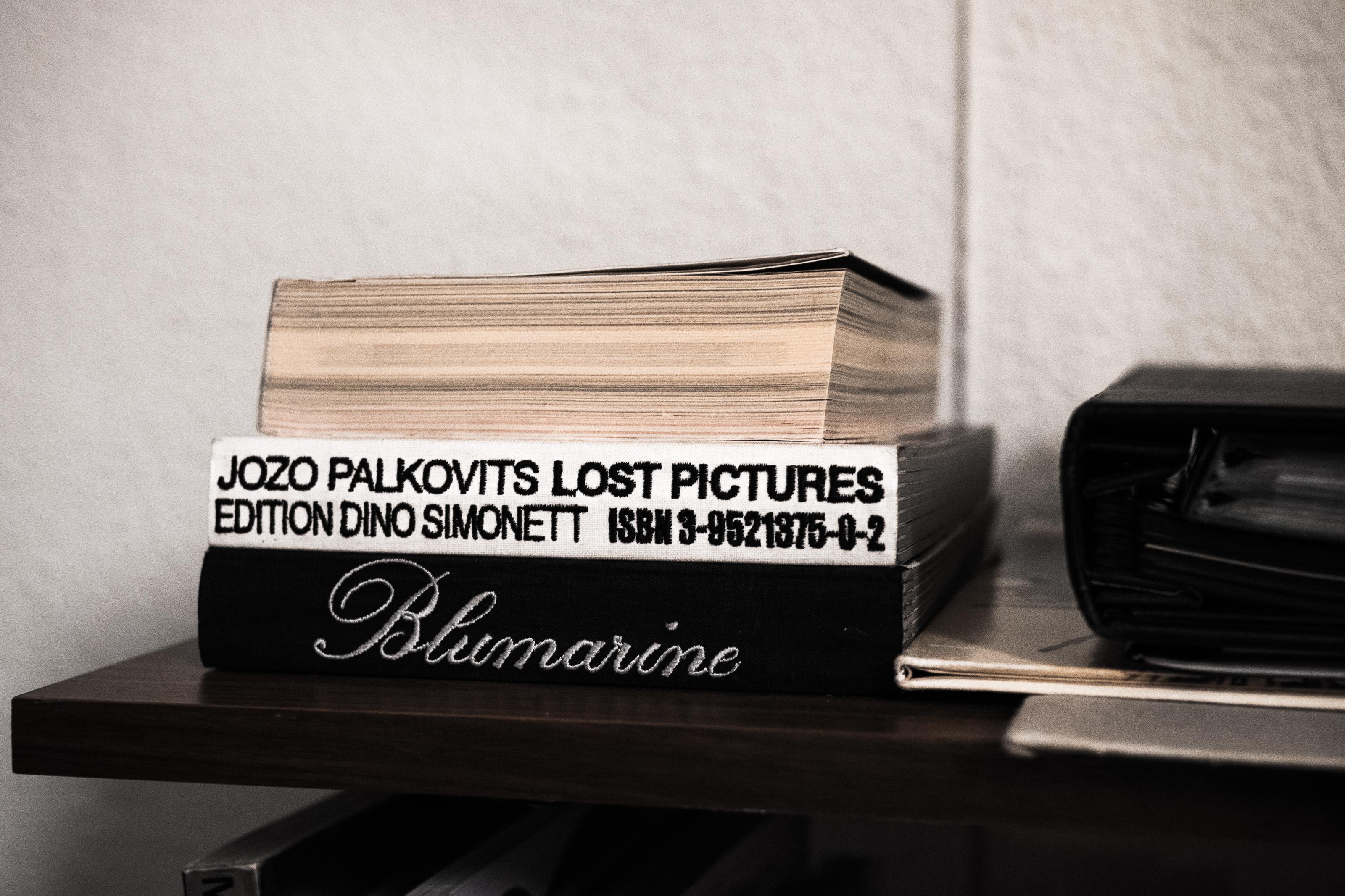 Der Fotoband «Lost Pictures» von Jozo Palkovits. Foto: Jan Graber